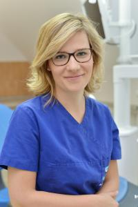 Dr. Bernadett Gál
